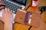 Kožená peněženka FIXED Smile Passport se smart trackerem FIXED Smile PRO, hnědá